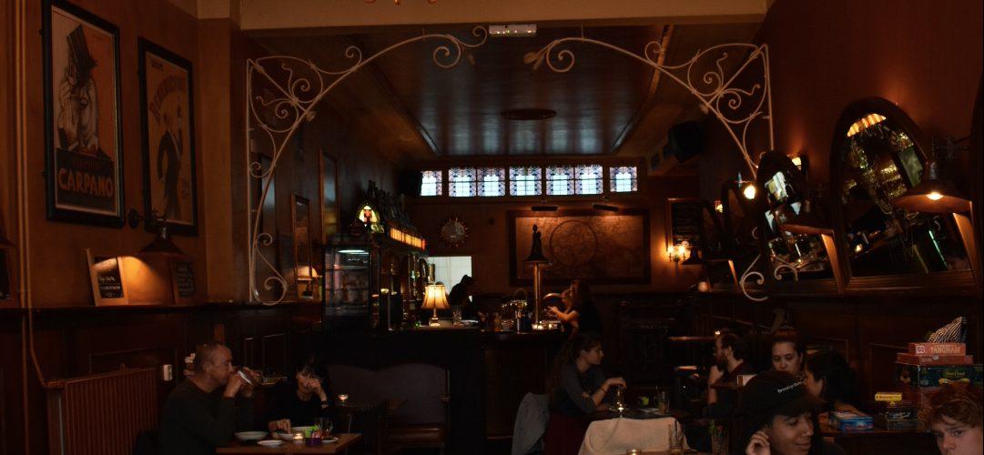 Neem een kijkje in ons café!